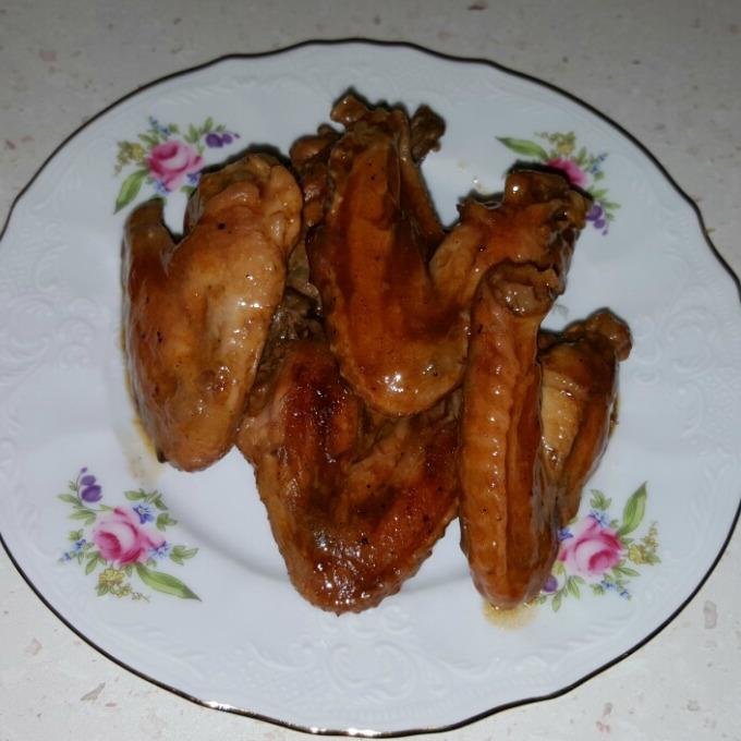 Пилешки крилца с барбекю сос