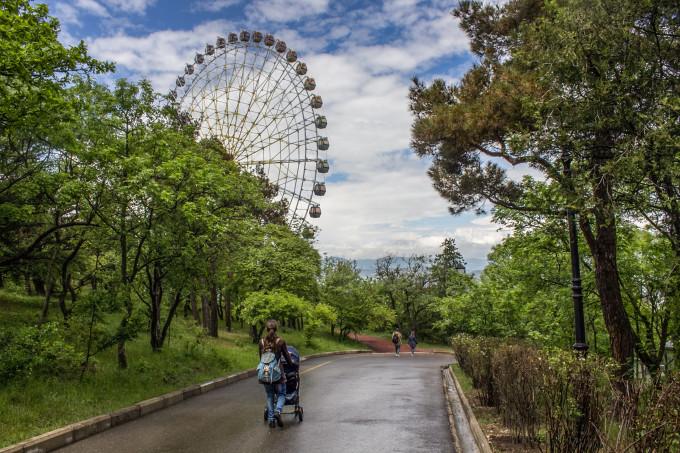 """Парк """"Мтацминда"""", Тбилиси"""