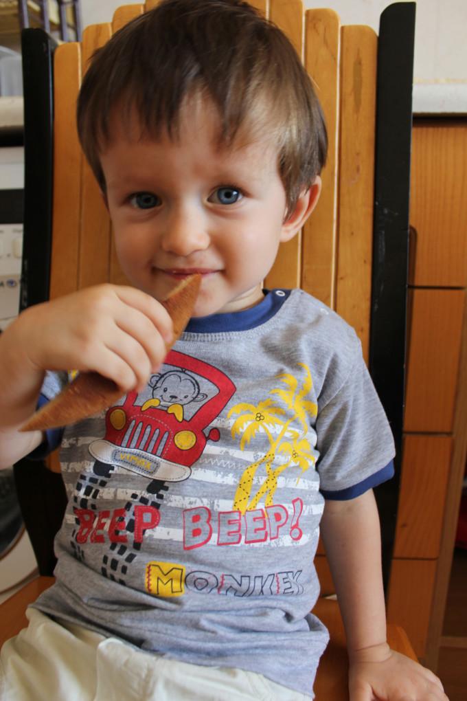 Сладкиш със сини сливи подходящ и за деца