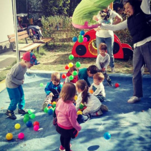 "За една по-различна детска градина. ЧДГ ""Бръмбазък"" гостува на ""Мама у дома"""