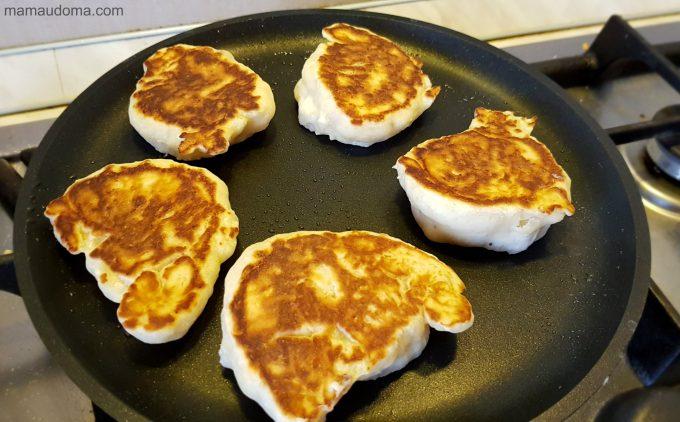 Пухкавели за закуска (бухтички) рецепта