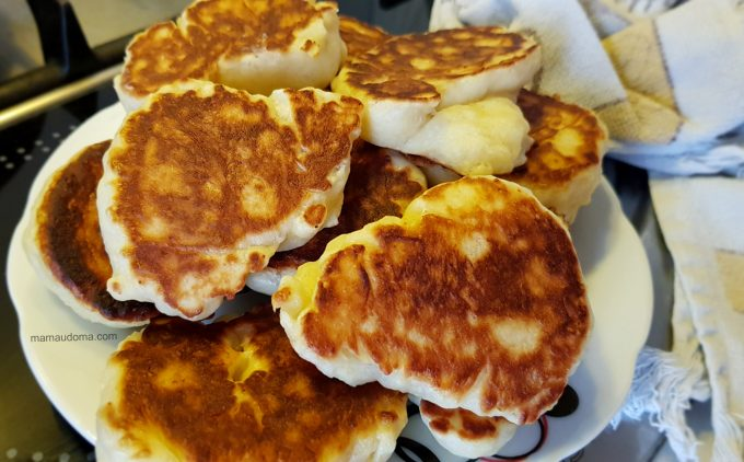 Пухкавели за закуска (бухтички) рецепта без пържене